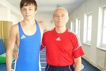 Hodonínský zápasník Luboš Horníček (na snímku společně s trenérem Lubomírem Jurmanem).