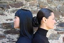 Mezzosopranistka Edita Adlerová a šansoniérka Jana Rychterová tvoří duo Two Voices.
