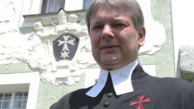 Věteřovský kněz Josef Šedivý je v rytířském řádu Křižovníků s červenou hvězdou