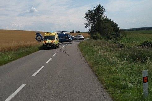 Vysoká rychlost byla na vině dopravní nehody, ke které došlo v sobotu okolo půl třetí odpoledne u Bukovan. Řidič havarovaného auta skončil s vážnými zraněními v nemocnici.