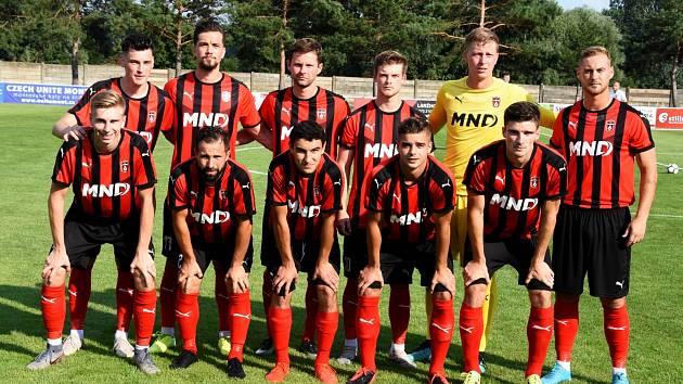 Hodonínští fotbalisté jsou po desátém kole Divize D na druhé příčce tabulky.