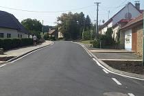 Modernizace silnice třetí třídy v obci Hrubá Vrbka, jejíž součástí byla i oprava tří mostů přes m