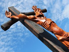 Kříž na Nákle od Františka Zelinky.