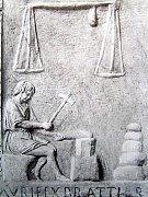 Řemeslnická práce na pozdně římské náhrobní desce.