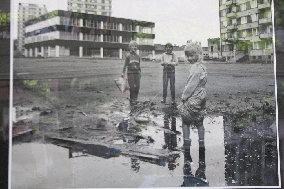 Na obyčejné věci všedního dne, kolem kterých projde kdekdo bez povšimnutí, se zaměřil ratíškovický fotograf Cyril Gajdík.