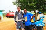 Cestovatel Michal Vaněk v Nigérii.