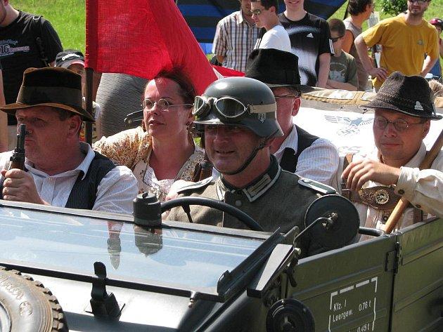 Vlkošská rekonstrukce pohraničních bojů v Sudetech.