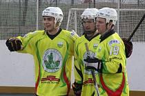 Sudoměřičtí hokejbalisté získali ve víkendovém dvojzápase s Třincem a Karvinou tři body. V extraligové tabulce už jsou osmí.