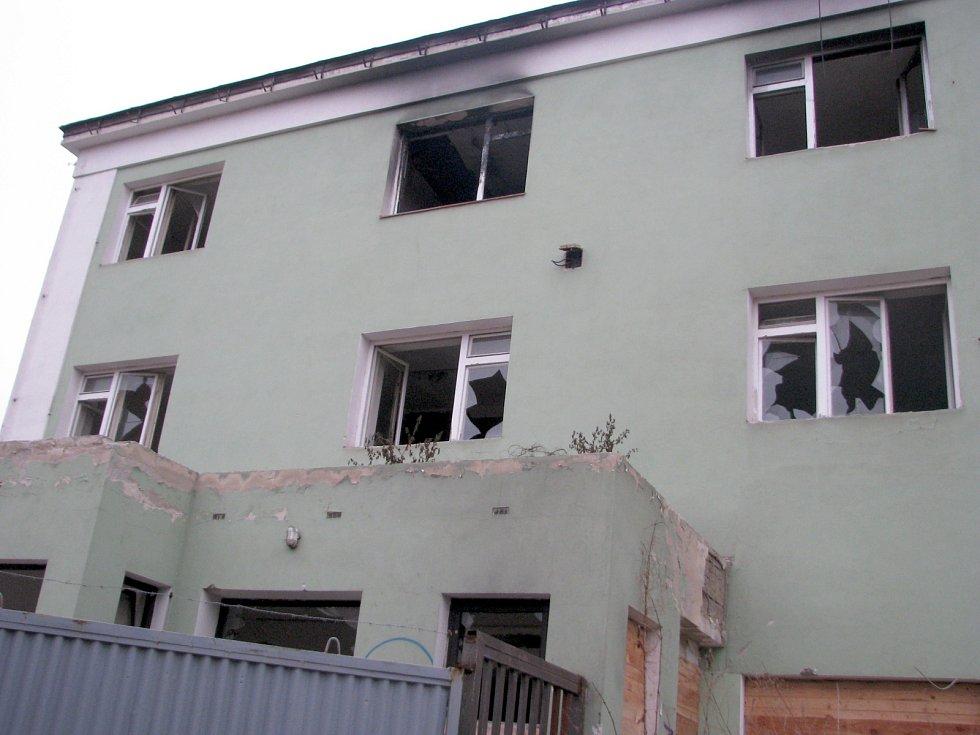 Bývalé Družstevní vinné sklepy v Hodoníně. Stav v lednu 2014.