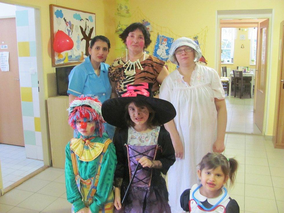 Maminky z Azylového domu v Kyjově si společně s dětmi užily maškarní karneval.