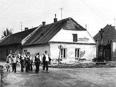 Dlouho si Rybáře zachovávaly spíše vesnický charakter.