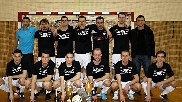 Letošní ročník Okresního Megawaste přeboru vyhráli Black Cats Hodonín, kteří ve finále zvítězili zcela jednoznačně 5:1. Hrdinou utkání byl hráč slovenské Skalice Josef Hesek, který první dvě branky sám dal a třetí gól připravil.