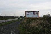 Politické billboardy podél silnice I/55 na Hodonínsku.