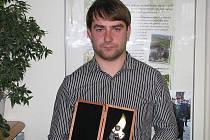 Stanislav Škrobák je mistr světa ve stříhání révy.