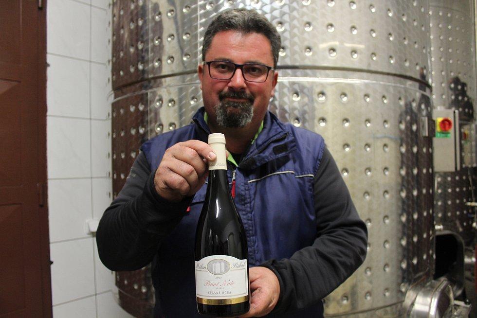 Vinař Milan Sůkal z Nového Poddvorova.