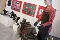 Výstava přibližuje jedno z nejstarších řemesel kovářství.