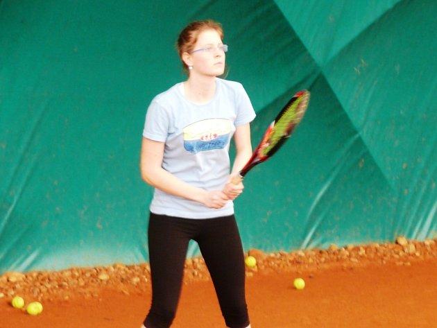 Nadějná hodonínská tenistka Lucie Ondrášová došla na tradičním zimním turnaji českého svazu, který ve spolupráci se Sokolem Hodonín uspořádal v tenisové hale v Rybářích LTC Hodonín, až do finále.