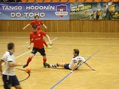Uvolněná hra futsalistů Tanga A (bílé dresy) přinesla vysokou výhru nad Jakubčovicemi 10:3