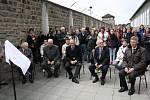 Návštěva nacistického koncentračního tábora Mauthausen s odhalením pamětní desky lužických rodáků a odbojářů Jaroslava Dobrovolského a Antonína Kosa.