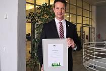 Městem pro byznys 2019 v Jihomoravském kraji se stal Hodonín mimo jiné díky nejnižší dani z nemovitostí nebo nejširšímu rozsahu úředních hodin. Starostu Libora Střechu prvenství v kraji těší.