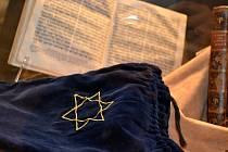 K výročí násilného odsunu Židů z Hodonínska uspořádalo Masarykovo muzeum v Hodoníně a Státní okresní archiv v Hodoníně vzpomínkové akce v podobě besed, přednášek a také výstavy z historie židovského obyvatelstva.
