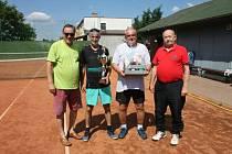 Memoriál Jožky Nováka v tenisové čtyřhře sehráli spotovní nadšenci v sobotu 4. července.