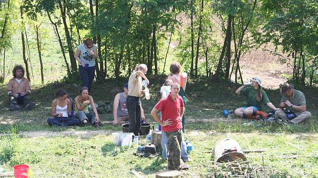 Ráj motýlů ve Ždánicích prozkoumávali také britští dobrovolníci.
