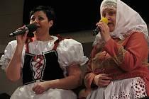 Hovorany oslavily připomínku 420 let od první písemné zmínky hudbou, zpěvem a tancem.
