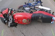 Motorkář podmetl cyklistu