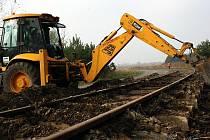 Mezi bývalý důl Tomáš a rohateckou Kolonii se po dvaceti letech vrátí nákladní vlaky.