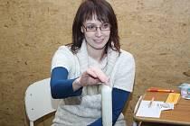 Hrou proti AIDS v tělocvičně hodonínského gymnázia.