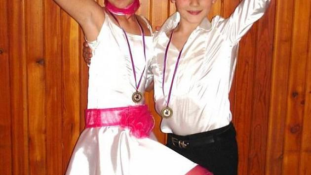 Hodonínský taneční pár Nikolas Novák a Klára Adamová vévodí Českému poháru sportovního tance kategorie děti II.