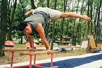 Gymnasté na Soboňkách v hodonínském regionu mají podobné vybavení padesát let. Jen kvůli restitucím museli tábor přestěhovat o několik desítek metrů dál.