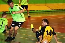 Ve čtvrtfinále Kyjovské halové ligy se utkají oba loňští finalisté, týmy Flamenga a Beastie Boys (černo-žluté dresy).