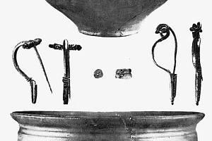 Nálezy z germánského žárového pohřebiště v trati Odměry za šibenicemi.