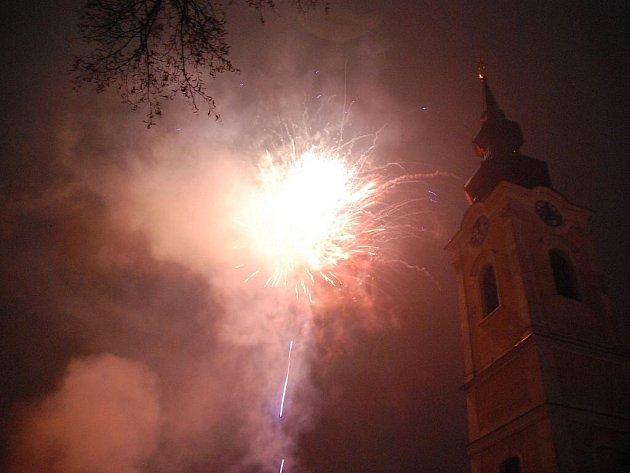 Silvestrovský ohňostroj v Hodoníně