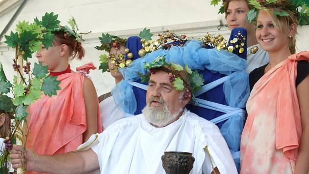 Hned na několika místech na Hodonínsku se o víkendu slavilo vinobraní.