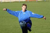 Fotbalisté Kněždubu v 5. kole první B třídy porazili Mikulov 6:0. Mezi střelce se jednou zapsal i David Grabec (na snímku).