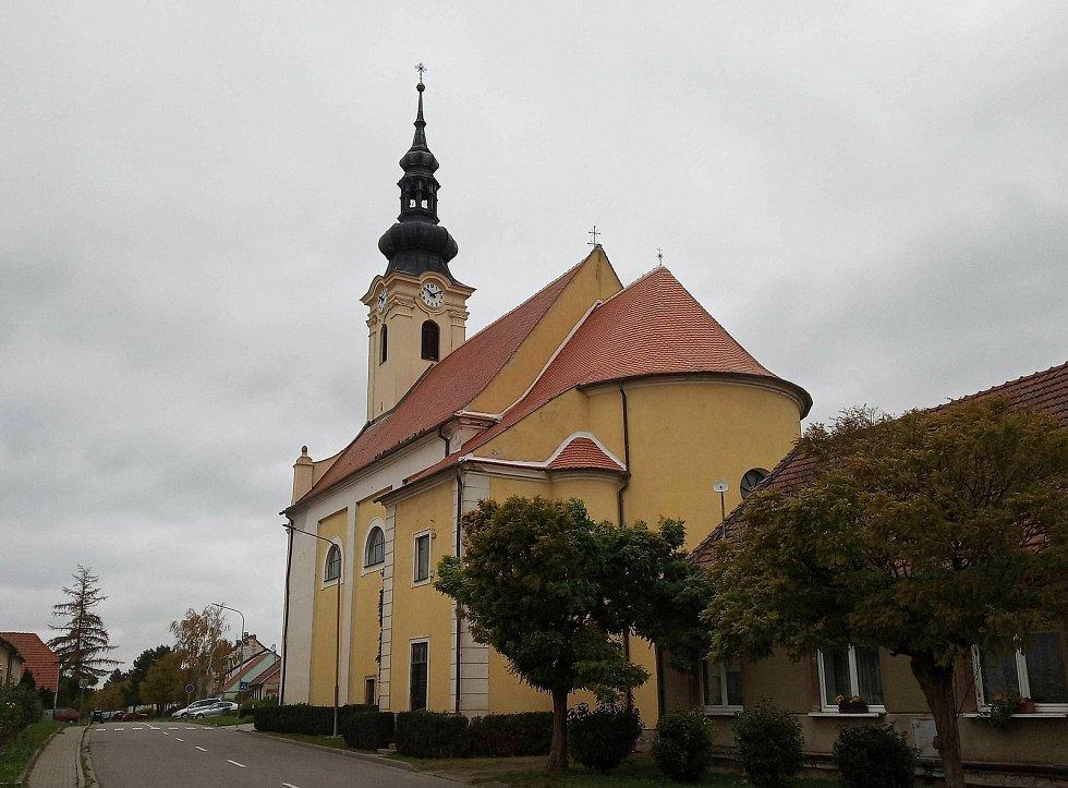 Kostel svatého Ondřeje v Popicích na Břeclavsku.