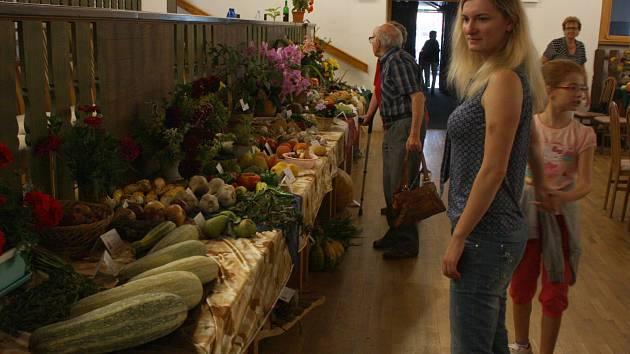 Třídenní dolnobojanovické Zahrádkářské dny uzavřela výstava ovoce, zeleniny a květin.