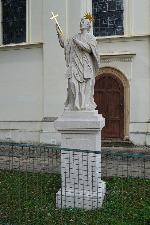 Socha svatého Jana Nepomuckého u kostela v Podolí na Brněnsku.
