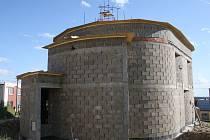 Nová kaple roste vedle bukovanského obecního úřadu