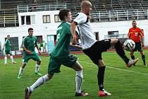 Fotbalisté Hodonína (v zeleném) remizovali ve třetím kole divize D s Uherským Brodem 3:3.