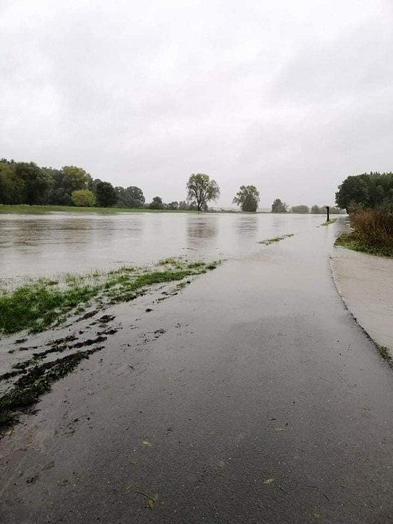 Kolem Strážnice teče řekou Moravou už desetiletá voda.