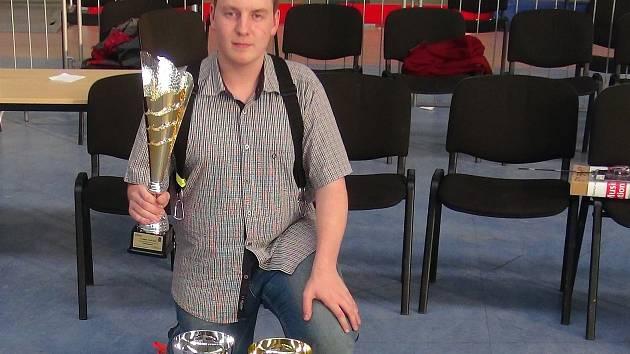 Osmnáctiletý Jakub Nečesánek si z Polska přivezl několik ocenění.