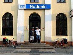 Dva mladí cestovatelé z Hodonína Matěj Balga a Michal Hampl.