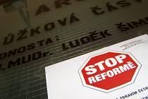 Stop reformám