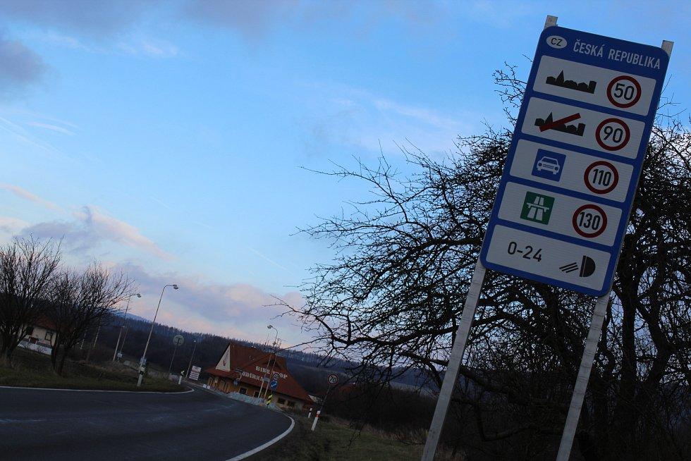 Bývalý hraniční přechod mezi Velkou nad Veličkou a Vrbovci.
