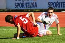 Mladí fotbalisé Ruska (v bílém) porazili na městském stadionu v Kyjově vrstevníky z Dánska 2:1.