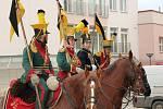 Novorozeného syna Dalibora Benoviče ze Svatobořic-Mistřína přivítal jeho otec v doboré uniformě a na koni. Doprovázeli ho kolegové z historické skupiny První hulánský regiment von Merveldt.